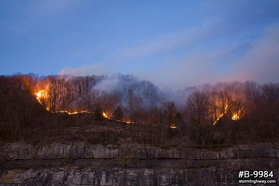 WV forest fire advancing
