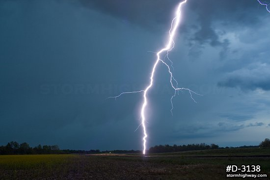 Very close twilight bolt near Terre Haute