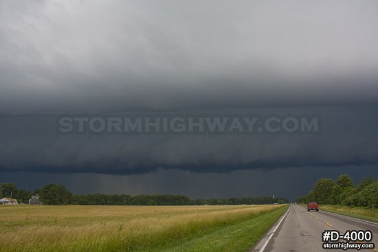 Approaching severe thunderstorm 3