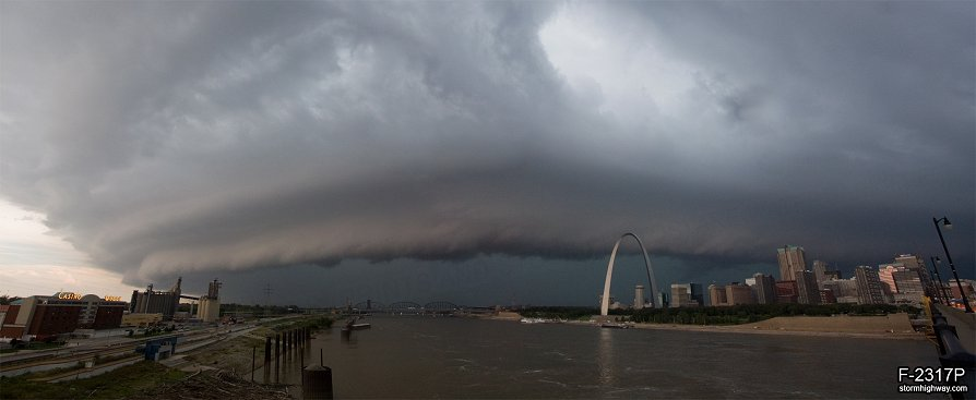 Incoming St. Louis severe storm